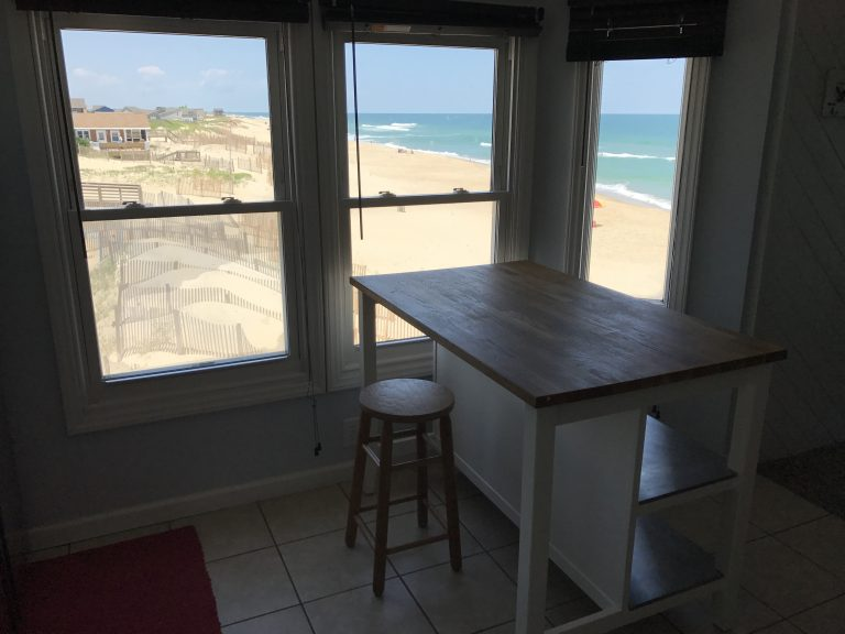 obxrental_kitchen3_seaurchininn