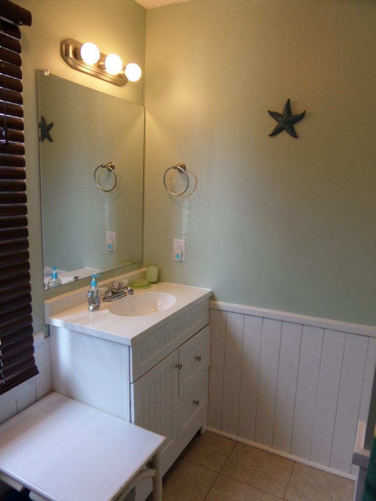 obxrental_bath2_seaurchininn