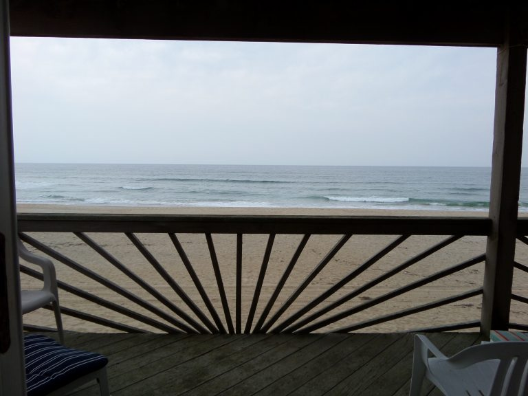 obxrental_viewdownstairs1_seaurchininn