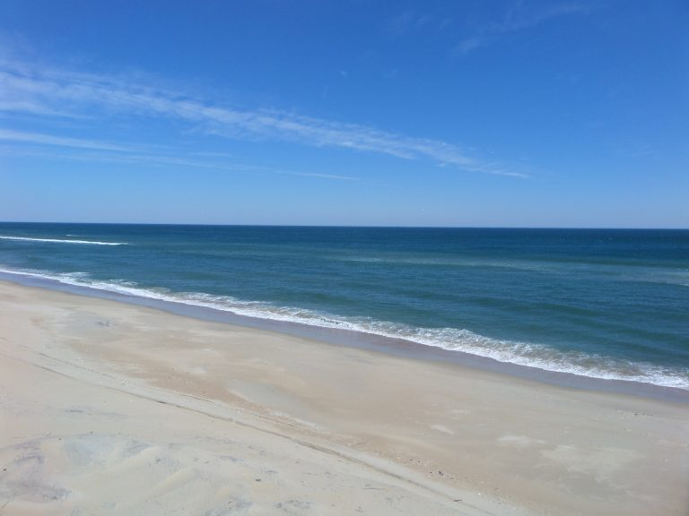 obxrental_beach2_seaurchininn