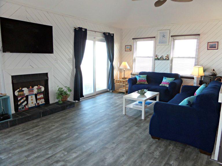 obxrental_livingroom2_seaurchininn
